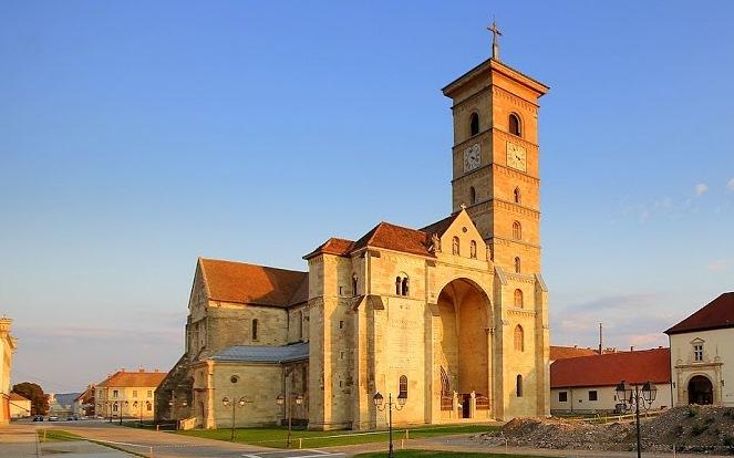A bíróság elutasította a gyulafehérvári római katolikus gimnázium épületének a visszaszolgáltatását